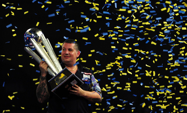 Anderson seals back-to-back William Hill World Darts Championship titles with 7-5 victory over Lewis