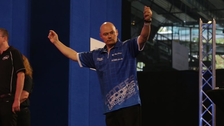 dave-ladley-european-darts-grand-prix-alexandra-stoemer-pdc-europe_1gdvybcnbe92r16y6akobyccc3