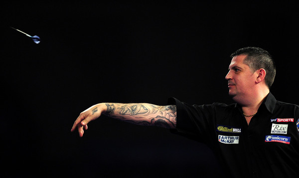 Anderson hits nine-darter in whitewash semi-final victory over Klaasen at 2016 William Hill World Championship