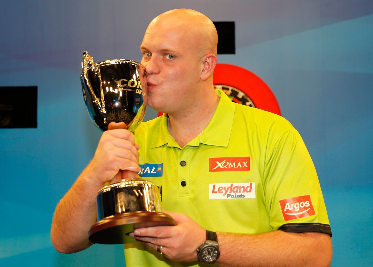 Unstoppable van Gerwen retains UK Open to keep up his dominant start to2016