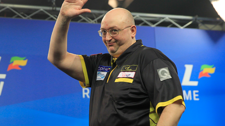 andrew-gilding-coral-uk-open-day-three-lawrence-lustig-pdc_1kgrgzegy933p19637n6utp944