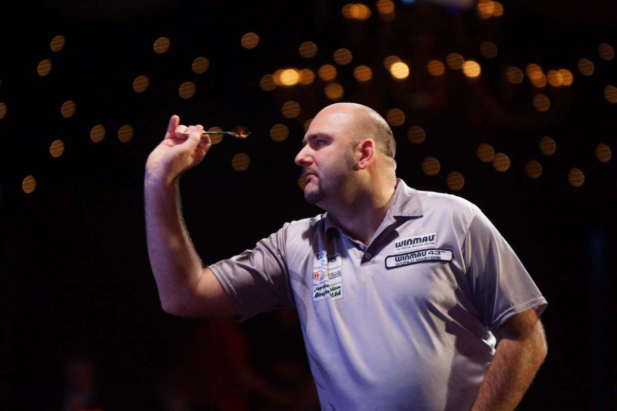 World champion Scott Waites headlines opening night of the Finder Darts Masters in the Netherlands