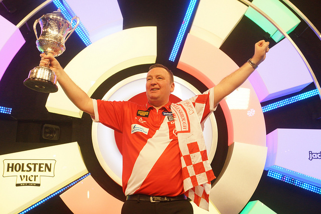 OPINION: Will maiden world title triumph at Lakeside sway Glen Durrant to stay with the BDO for another year?