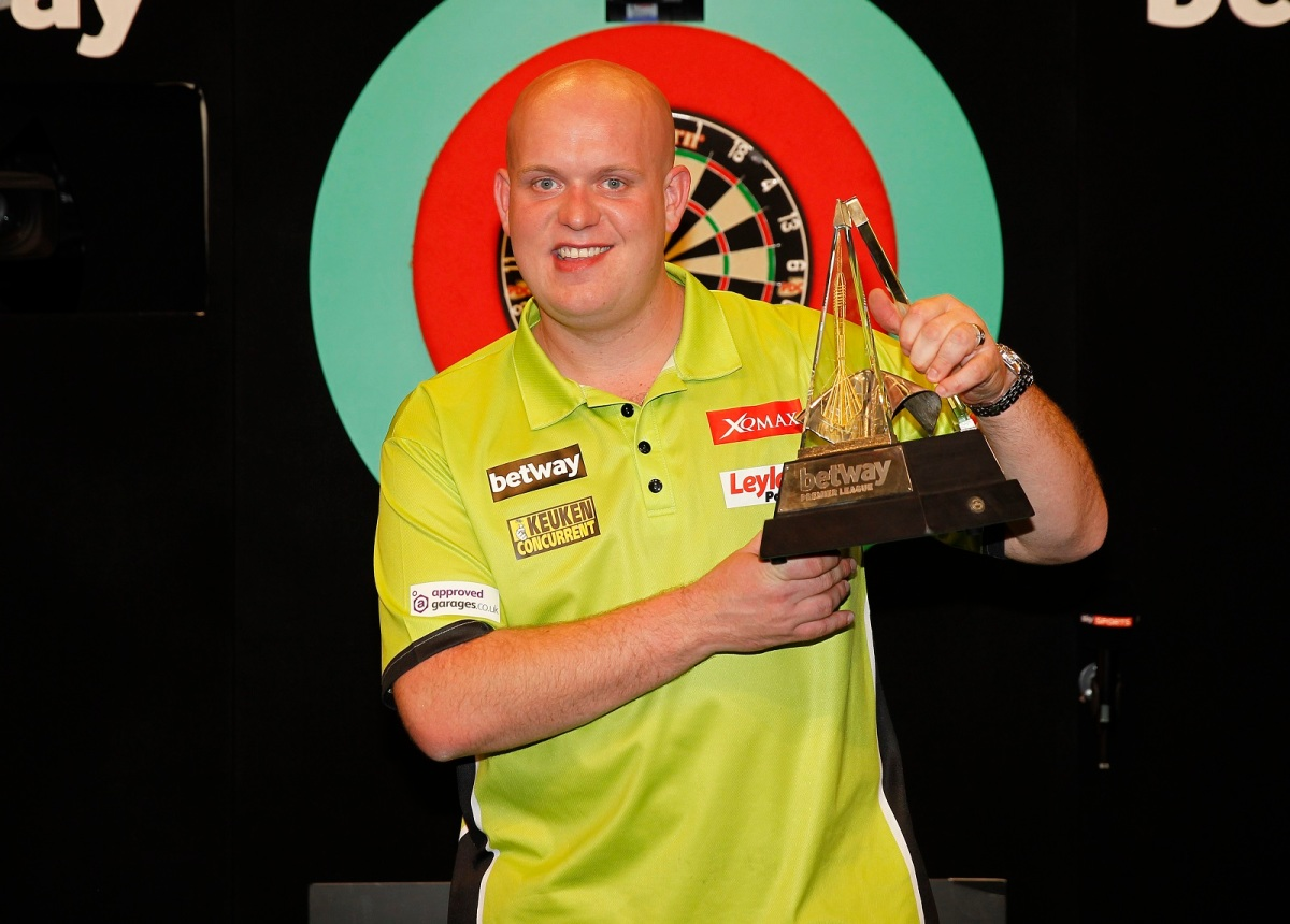 Michael van Gerwen and Gary Anderson to face off on opening night of the 2017 Premier League