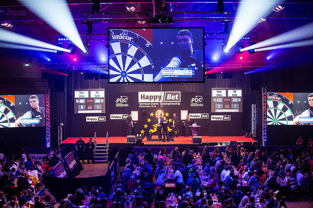 Paul Harvey hits seven 180s in dream European Tour debut, while Richie Corner sets up rematch with Alan Norris