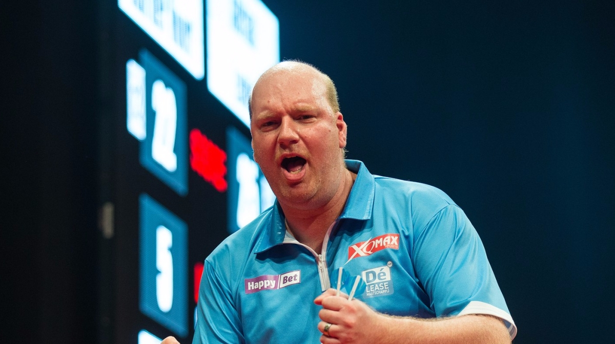 The Weekly Dartscast with Vincent van der Voort, Perth and Champion of Champions Review, Dutch Darts Masters Preview