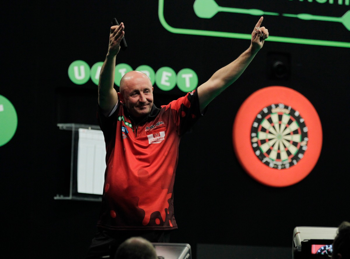 The Weekly Dartcast with James Wilson, European Darts Open review, race to the World Matchplay discussion