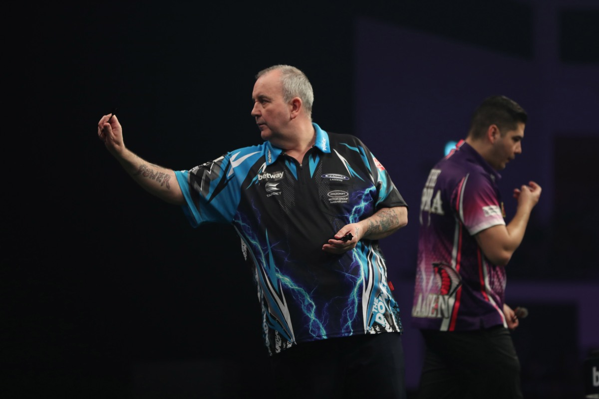 Phil Taylor withdraws from next week's inaugural US Darts Masters on medical advice