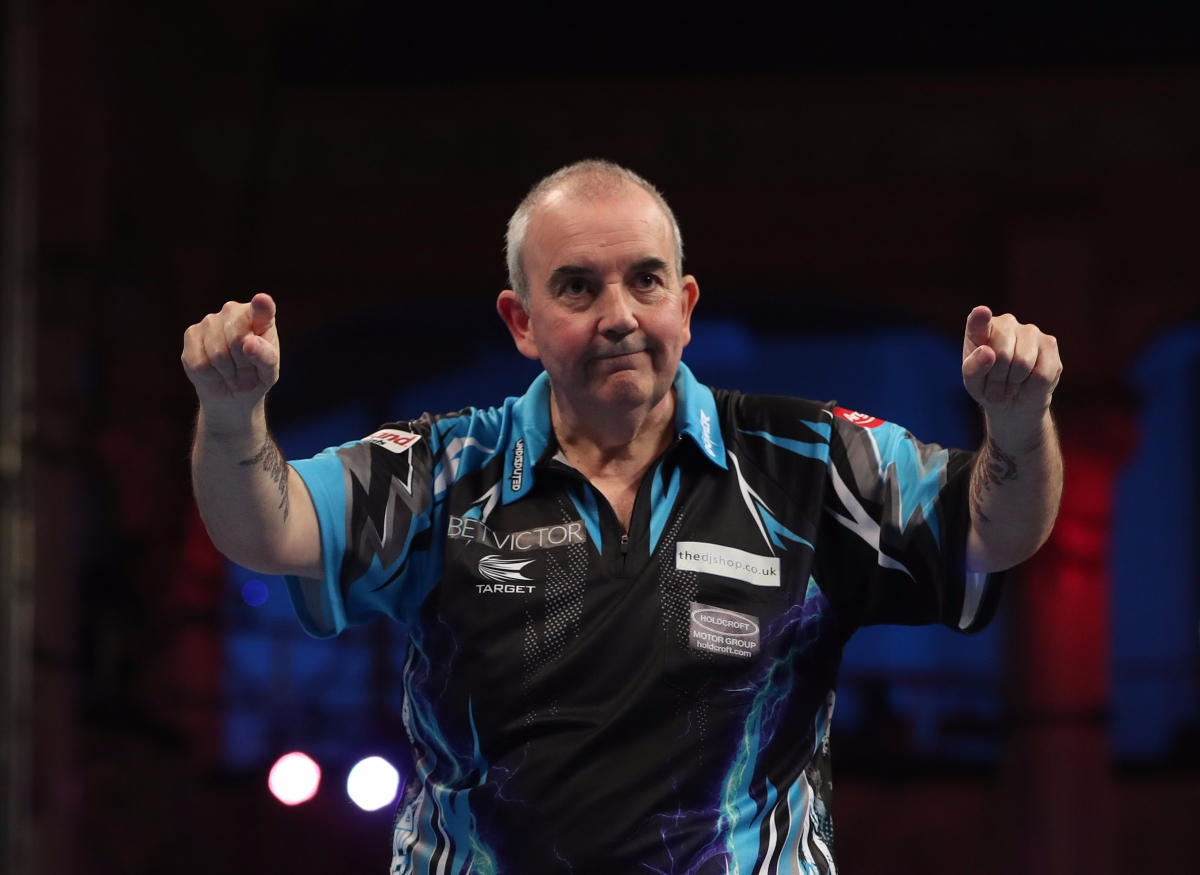 "Phil Taylor tells Michael van Gerwen to ""grow up"" as text-gate row erupts following their World Matchplay quarter-final clash"