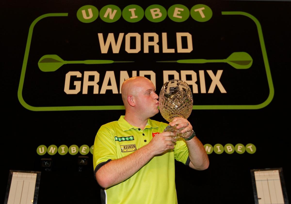 Unibet World Grand Prix first round draw: Michael van Gerwen to begin defence of title against Scotland's JohnHenderson