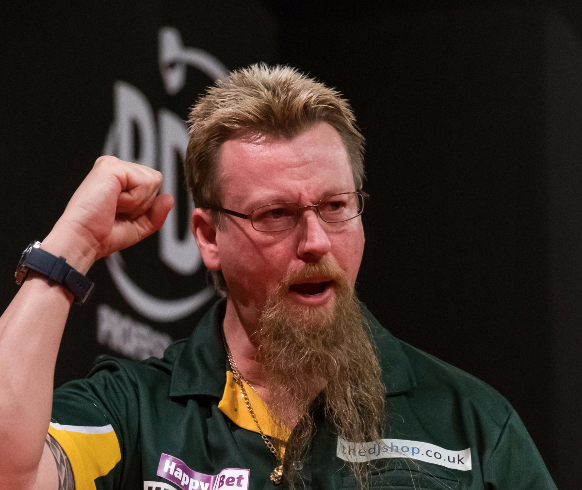Simon Whitlock full of confidence heading into final session of International Darts Opentonight