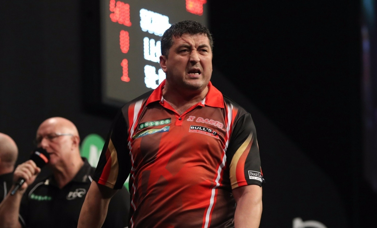 Mensur Suljovic keeps up bid for second TV title with 3-0 win against Steve West in World Grand Prix last 16