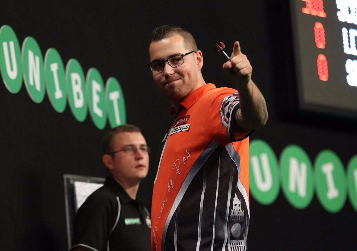 Back-to-back World Grand Prix quarter-finals for Benito van de Pas after whitewash win over Gerwyn Price in secondround