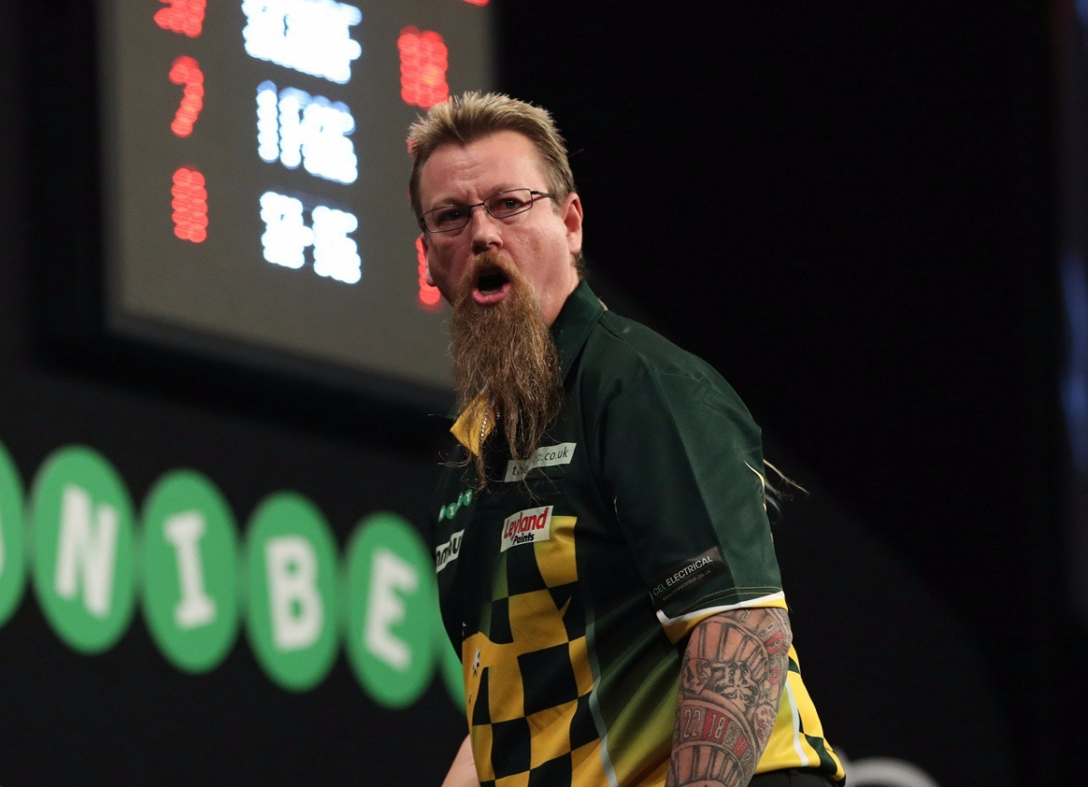 Simon Whitlock whitewashes good friend Richard North to set up World Grand Prix quarter-final with Benito van de Pas